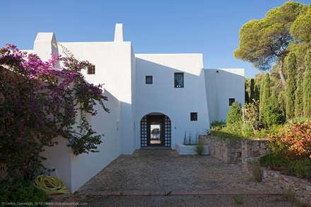 Entrada: Casas de estilo rural de Rios-Casariego Arquitectos