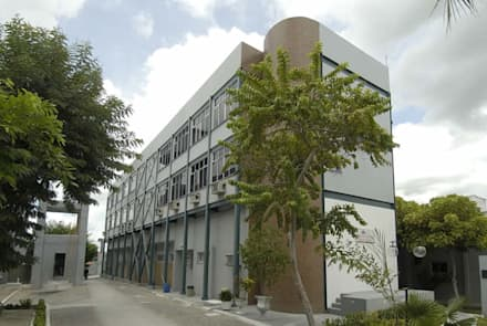 Hospitales de estilo  de Aurion Arquitetura e Consultoria Ltda