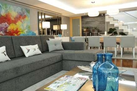 PROJECTO 3: Salas de estar clássicas por HC Interiores