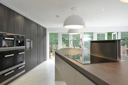 Debbie & Danny's Kitchen: modern Kitchen by Diane Berry Kitchens