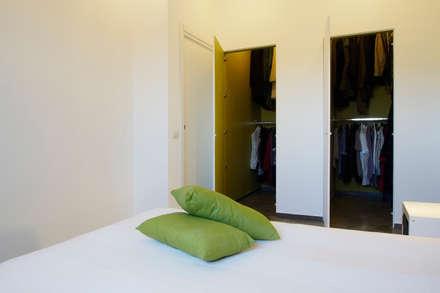 Walk in closet de estilo  por Laboratorio di Progettazione Claudio Criscione Design