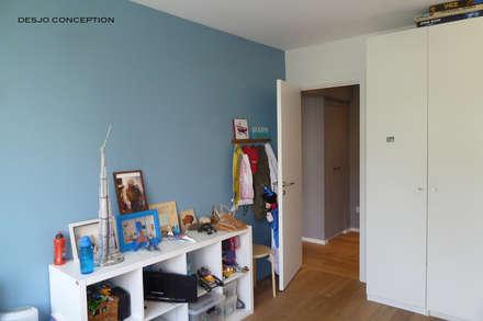 140 m2 Paris XV: Chambre d'enfant de style de style Moderne par Desjoconception