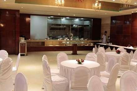 Banquet hall:  Event venues by Ishita Joshi Designs - Love Living!