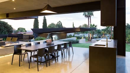 House in Kloof Road :  Terrace by Nico Van Der Meulen Architects