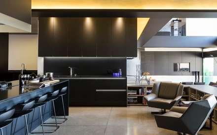 House in Kloof Road : modern Kitchen by Nico Van Der Meulen Architects