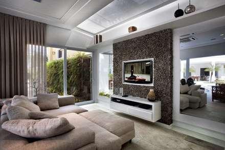 جدران و أرضيات تنفيذ Bianka Mugnatto Design de Interiores