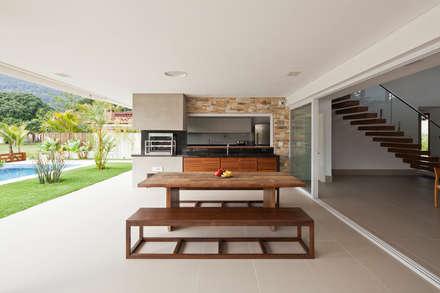 Terrace by Conrado Ceravolo Arquitetos
