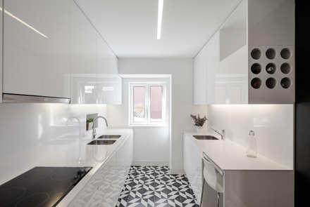 Apartamento São Caetano: Cozinhas minimalistas por Vanessa Santos Silva | Arquiteta