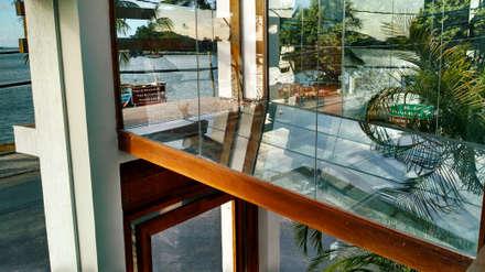 Office buildings by Simone Flores Arquitetos & Associados