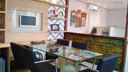 Edificios de Oficinas de estilo  por Simone Flores Arquitetos & Associados