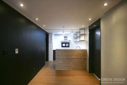 industrial Kitchen by 홍예디자인