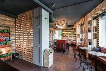 "Кофе-бар ""Пенка"": Столовые комнаты в . Автор – EUGENE MESHCHERUK   |  architecture & interiors"