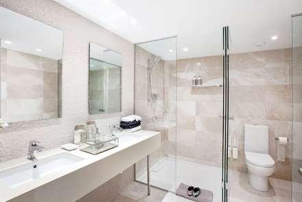 ห้องน้ำ by INEDIT INTERIORISTAS