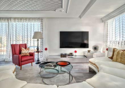 City Exquisite: Salas multimédia ecléticas por Viterbo Interior design