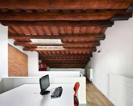 minimalistic Study/office by Vallribera Arquitectes