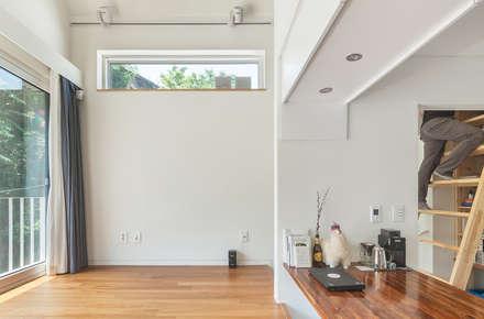 홍제동 개미마을 주택 프로젝트: OBBA 의  거실