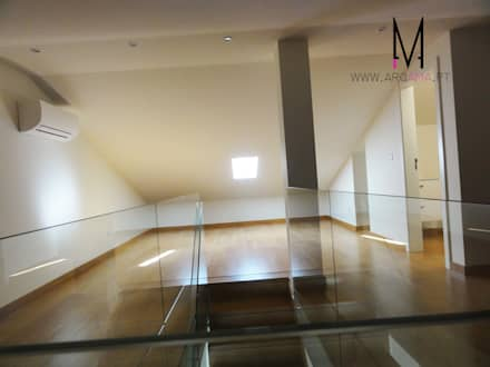 Ericeira Surf : Salas multimédia campestres por ARQAMA - Arquitetura e Design Lda