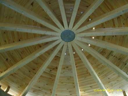 Dachtragwerk des Turms:  Schulen von architekturbüro civitas  Dr. Regina Bolck & Rüdiger Reißig