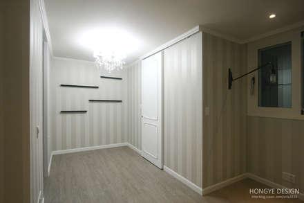 클래식한 느낌의 61py 인테리어: 홍예디자인의  방