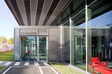 Car Dealerships by Beriot, Bernardini arquitectos