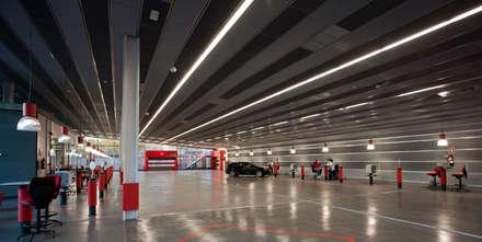 Centro de Servicio del Automóvil MAPFRE (Alcorcón-Madrid): Concesionarios de estilo  de Beriot, Bernardini arquitectos