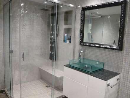 Baño suite : Baños de estilo ecléctico de Martyseguido diseño interiorismo