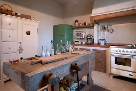rustic Kitchen by marco bonucci fotografo