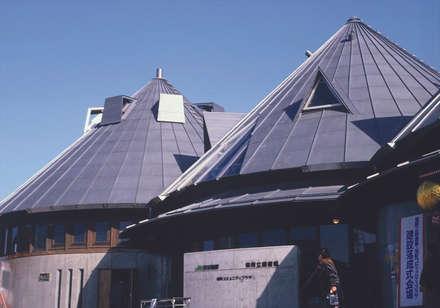 carefully designed roofs: 伊藤邦明都市建築研究所が手掛けた窓です。