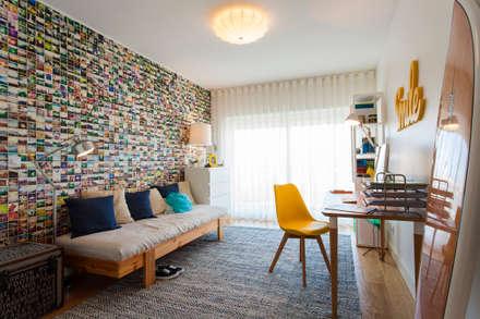 Quarto Jovem : Quartos modernos por Traço Magenta - Design de Interiores