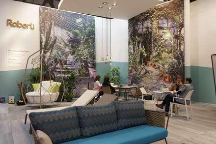 Centros de exhibiciones de estilo  por Andrea Gaio Design