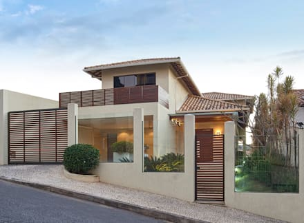 Residência AM: Casas modernas por Isabela Canaan Arquitetos e Associados