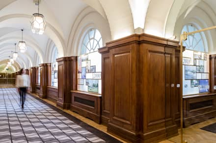 Entrance hallway to Marketing Suite lined with historical display pan:  Commercial Spaces by Goddard Littlefair