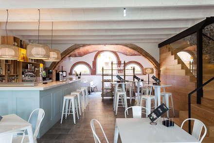 Masia Can Ribalta: Locales gastronómicos de estilo  de Xavier Martin Spaces & Sensations