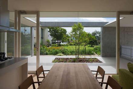 自由ヶ丘の家: MANI建築デザイン事務所が手掛けたダイニングです。