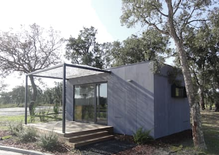 Vista Exterior: Habitações  por Plano Humano Arquitectos