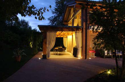 Restauro Vecchio Casale: Terrazza in stile  di Zago Studio Architects