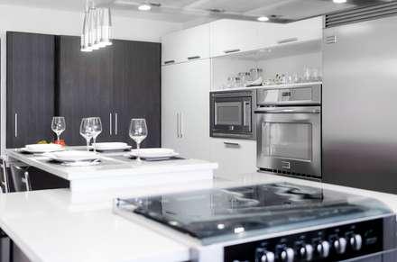 : Cocinas de estilo  por Belhogar Diseños, C.A.