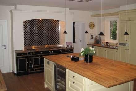 Unsere Traumküchen: landhausstil Küche von Volkmann GmbH