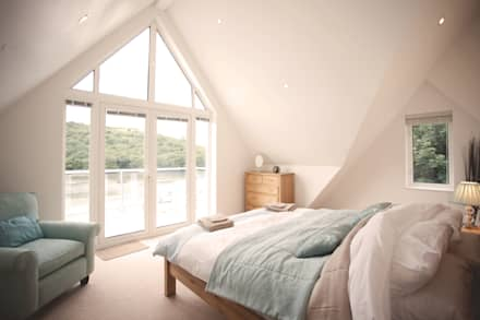 Driftwood House, Golant: modern Bedroom by Laurence Associates
