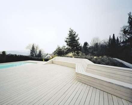 Terrasse mit Sitzbank : minimalistischer Pool von pur natur
