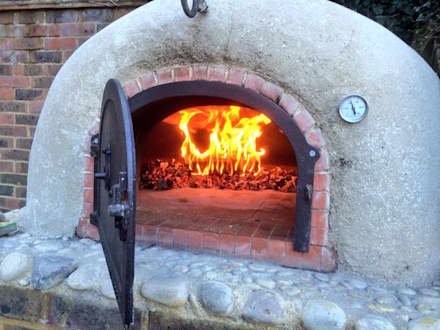 Garden wood-fired oven: rustic Garden by wood-fired oven