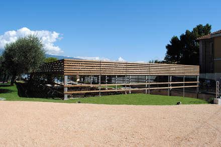 Villa Romana: Stadi in stile  di STUDIO SARAMONDI