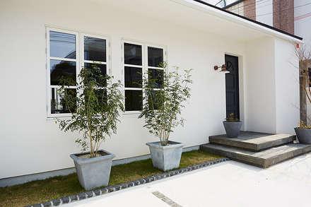 modern Houses by 株式会社フーセット Huset co.,ltd