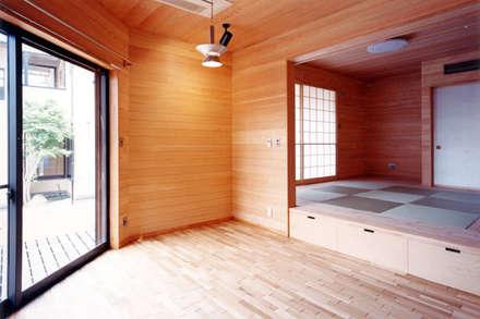 【食堂その3】: 安達文宏建築設計事務所が手掛けたキッチンです。