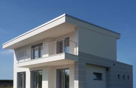 Case moderne idee ispirazioni homify for Finestre per case in stile artigiano