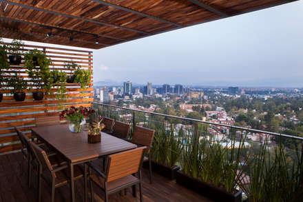 Proyecto PH Las Flores: Terrazas de estilo  por Basch Arquitectos