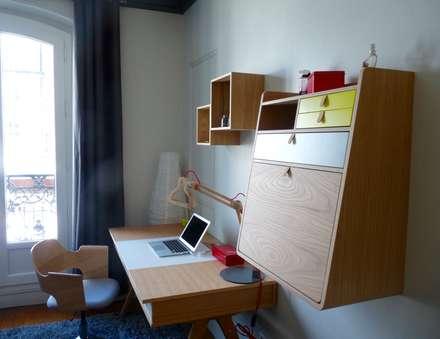 Espace bureau en bois: Chambre de style de style Moderne par Thomas JENNY