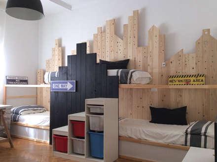Lavori: Stanza dei bambini in stile in stile Moderno di Home Lifting