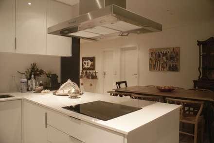 Apartamento CM: Cozinhas modernas por involve arquitectos