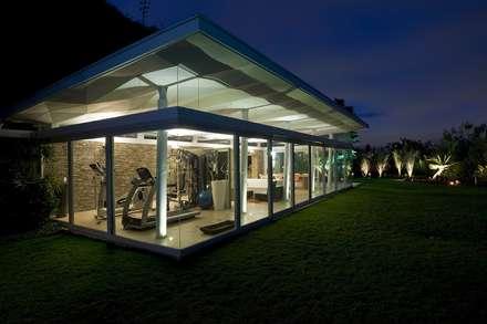 Caney: Jardines de estilo moderno por oda - oficina de arquitectura